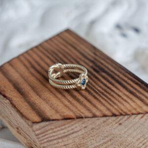 Кольцо из золота с настоящим сапфиром