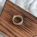 Золотое фактурное кольцо