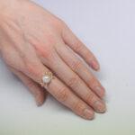 Необычное золотое кольцо с жемчужиной