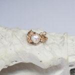 Золотое кольцо с крупной жемчужиной
