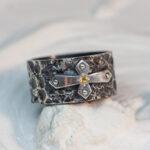 Широкое мужское кольцо с цитрином