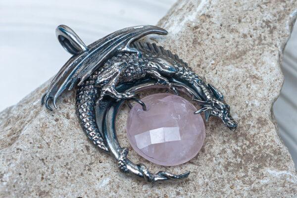 Крупный кулон из серебра с драконом