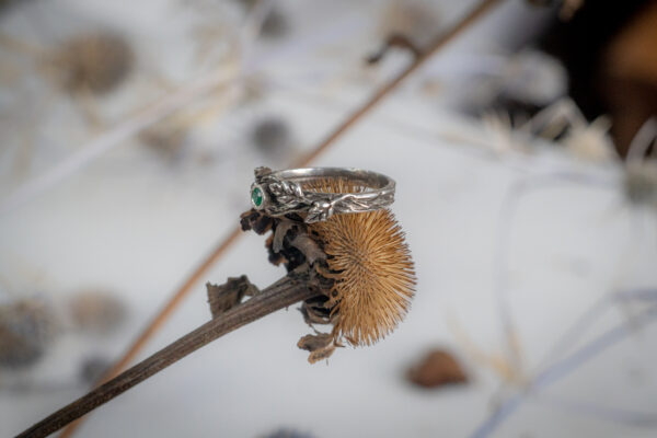 Эльфийское кольцо из серебра с агатом