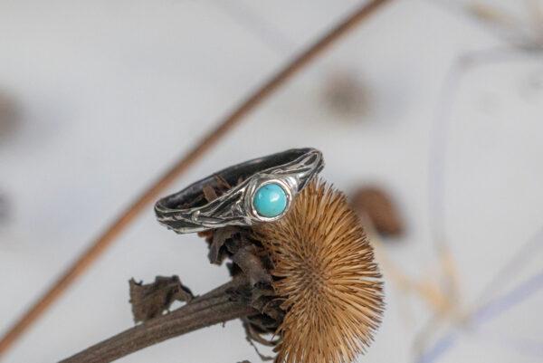 Тонкое серебряное кольцо с бирюзой