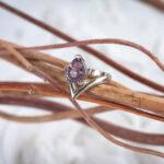 Золотое минималистичное кольцо