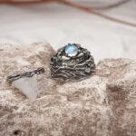 Серебряные свадебные кольца с лунником
