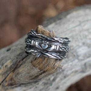 Серебряное кладдахское кольцо