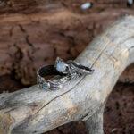 Фактурные обручальные кольца