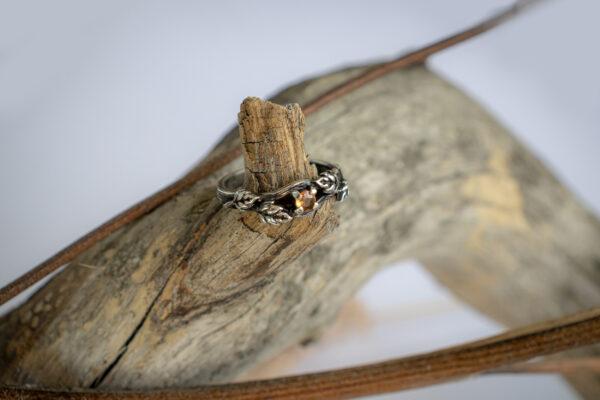 Кольцо из серебра с настоящим сапфиром