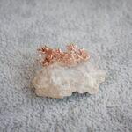 Цветочное кольцо с бриллиантом