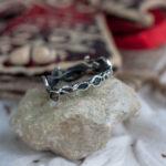 Серебряное кольцо в лесном стиле