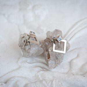 Серьги-пусеты из белого золота
