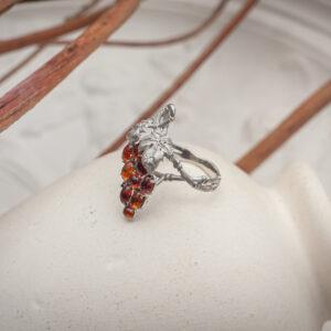Золотое кольцо с природными камнями