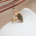 Эффектное кольцо с бриллиантами
