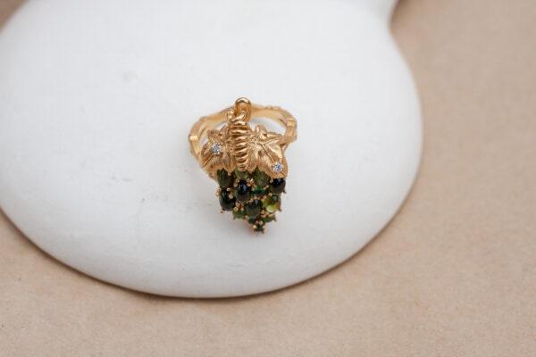 Серебряное кольцо-виноград