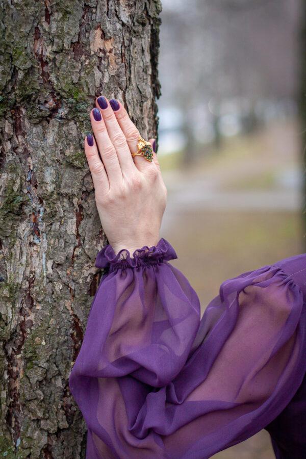 Красивое женское кольцо с турмалинами и бриллиантами