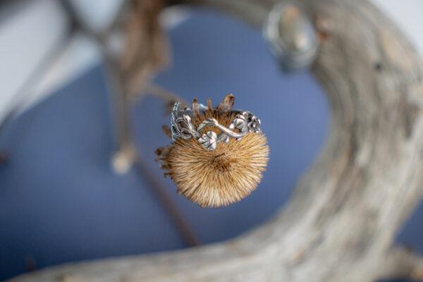 Серебряное кольцо без вставок