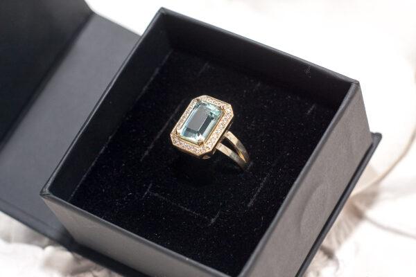 Золотое кольцо с аквамарином