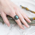 Массивное кольцо с лабрадоритом