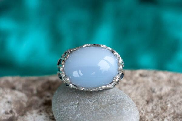 Серебряный перстень с халцедоном