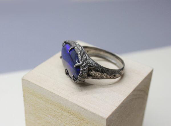 Массивное кольцо с опалом