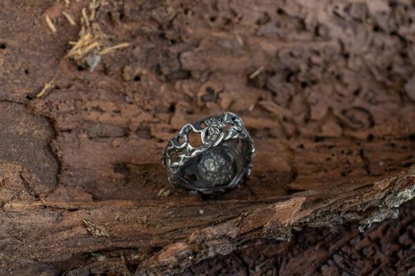 Серебряное мужское кольцо