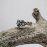 Фактурное кольцо с опалом