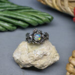 Лесное кольцо с опалом и месяцем
