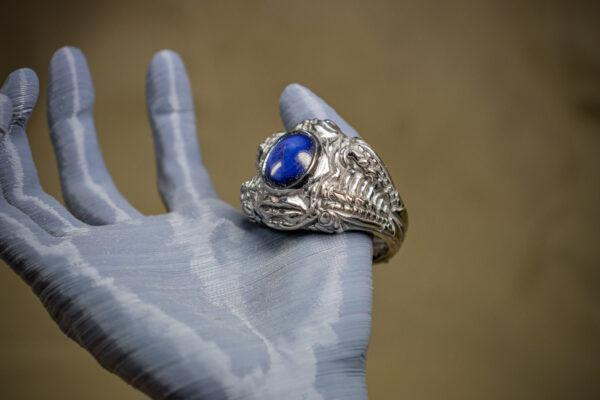 Необычное золотое кольцо