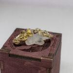 Золотое кольцо с лотосом и бриллиантом