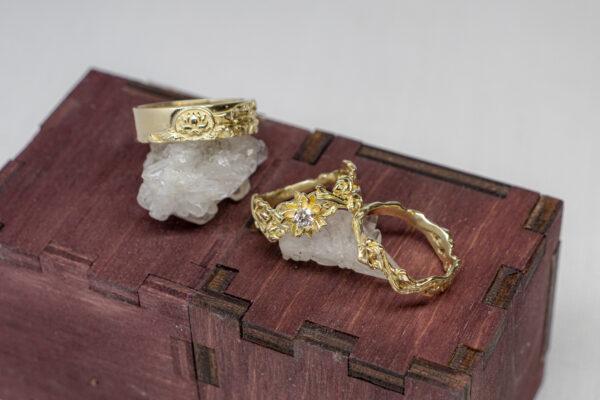 Сет свадебных золотых колец