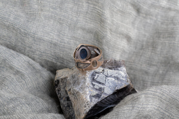 Мужское кольцо из красного золота