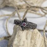 Мужское кольцо со шпинелью
