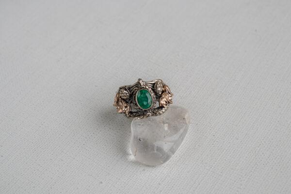 Мужское кольцо с натуральным изумрудом