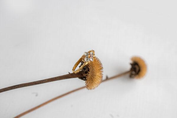 Цветочное кольцо с сапфиром