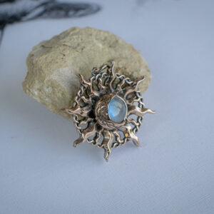 Фэнтезийный кулон с лунным камнем