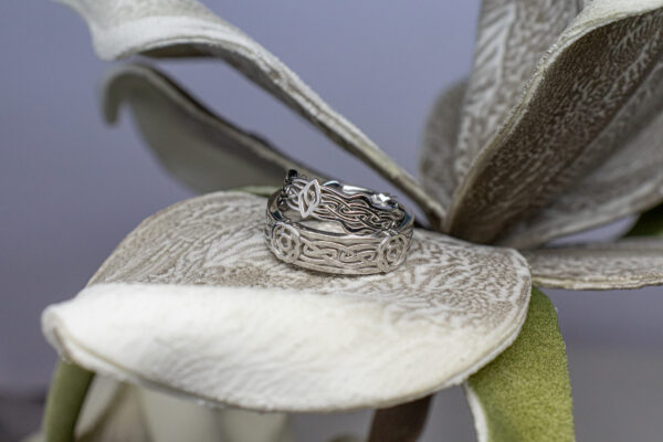 Необычные обручальные кольца