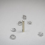 Минималистичный кулон с бриллиантом