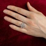 Дорогое кольцо с бриллиантами