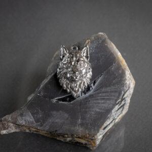 Фэнтезийный кулон из серебра с волком