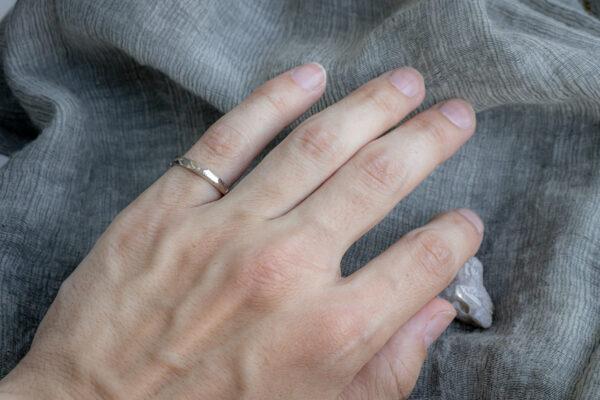 Обручальное мужское кольцо