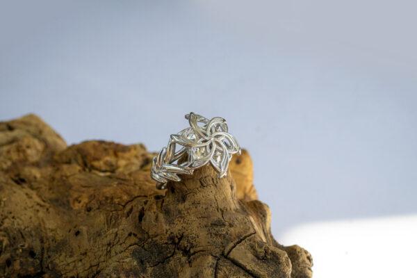 Эльфийское кольцо с муассанитом