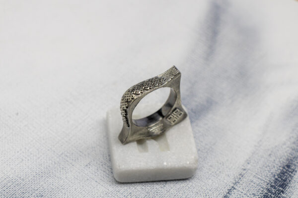 Массивное кольцо с сакральными рунами