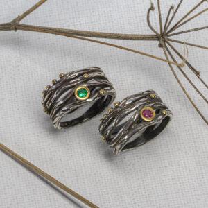Серебряное кольцо с изумрудом и рубином