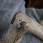 Помолвочное кольцо с изумрудами