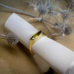 Роскошное золотое кольцо с сапфиром