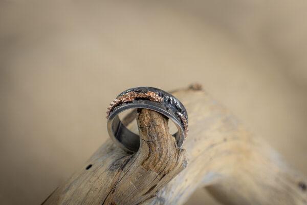 Мужское серебряное кольцо с драконом