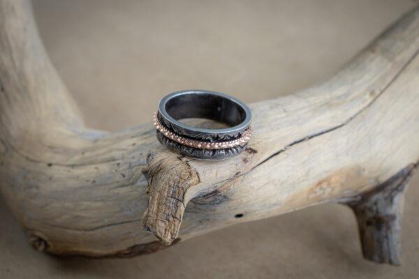 Мужское кольцо в стиле фэнтези