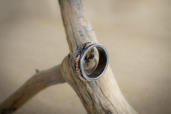 Мужское кольцо-шайба из серебра и золота